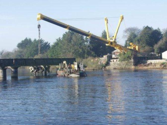 Dismantling-Railway-Bridge-Large