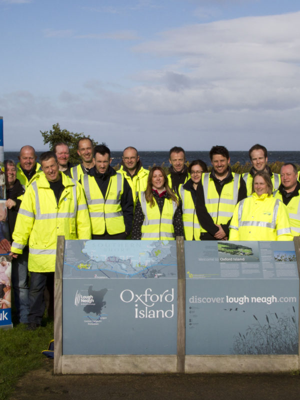 volunteer-group-at-oxford-island-oct-2016